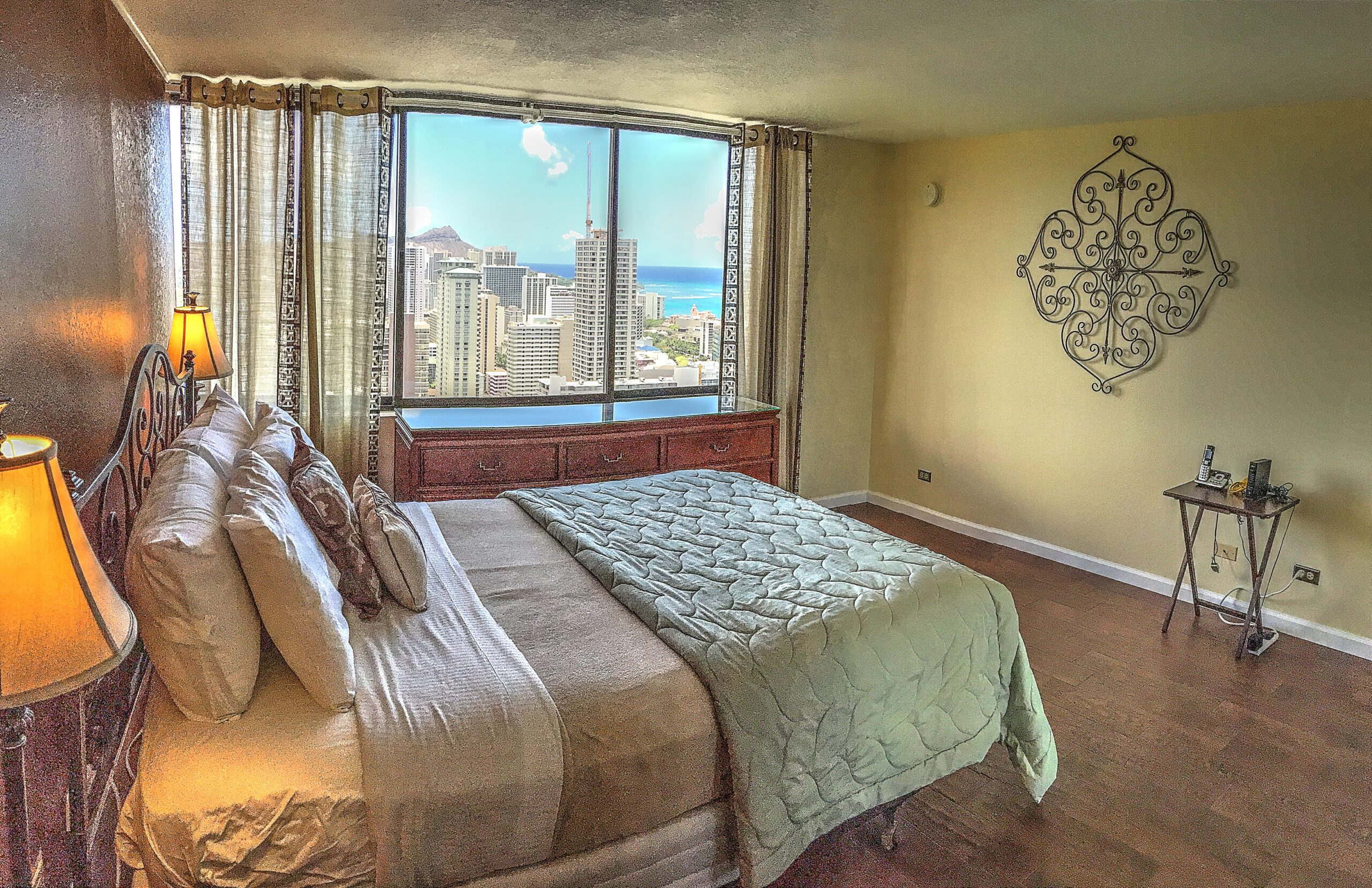 Hawaiian Monarch –  Penthouse #303 (2Bed)